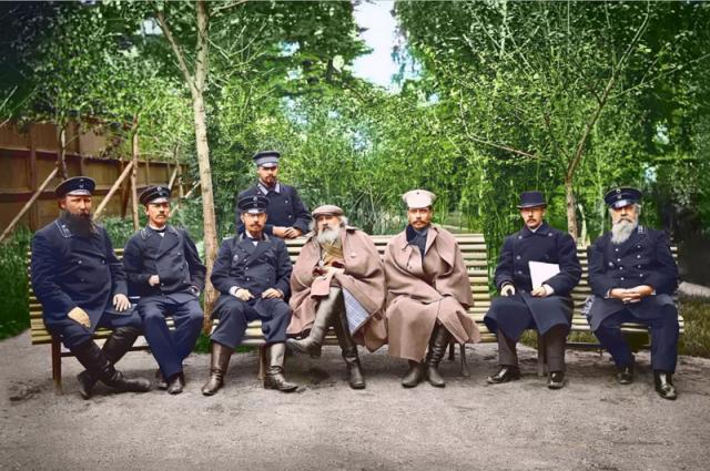 Менделеев на Кушвинском заводе в 1899 году.