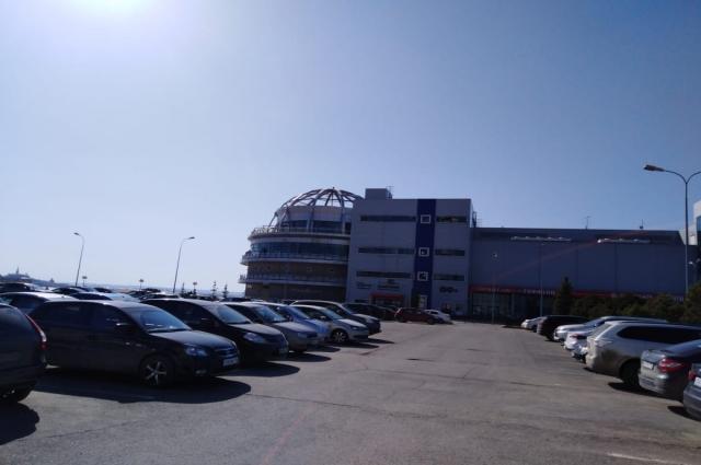 Четырехэтажное здание развлекательного комплекса демонтируют в начале лета.