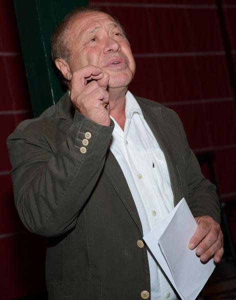 Художественный руководитель театра Школа современной пьесы Иосиф Райхельгауз во время сбора труппы театра в Москве
