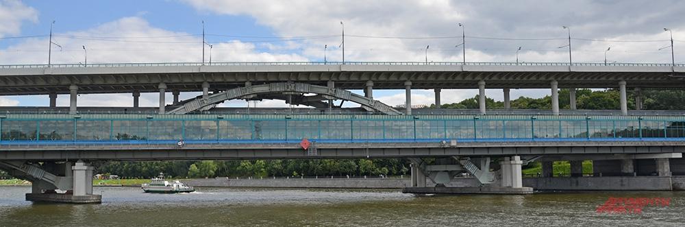 Самый длинный в Москве - Лужнецкий двухэтажный метромост, верхний ярус - 2030 м