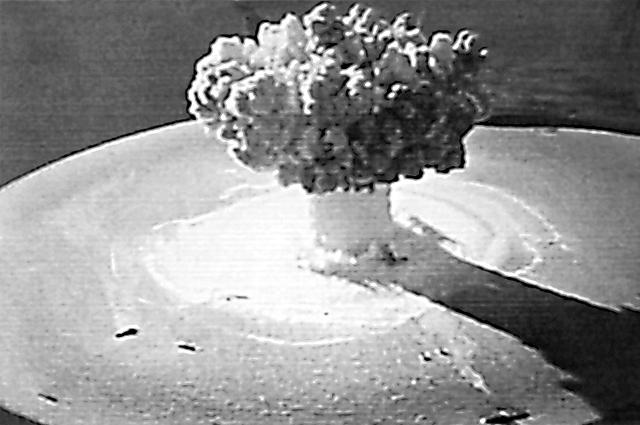 Первый подводный атомный взрыв в 1955 г