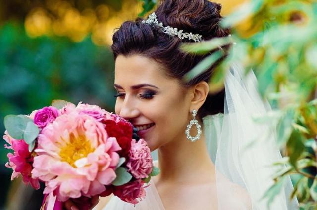 Сейчас невесты очень любят пионы.
