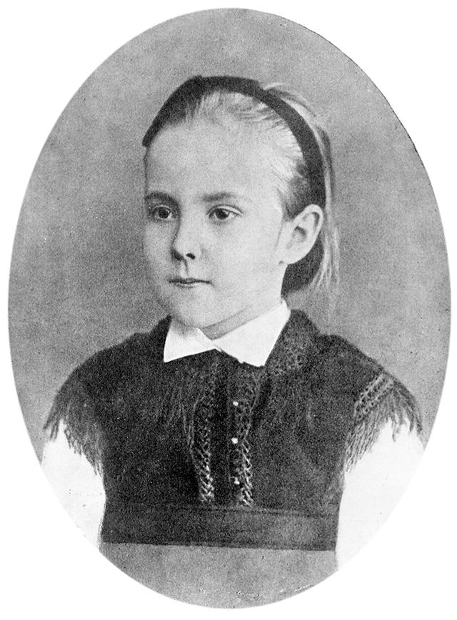 Шестилетняя Александра Яблочкина в год своего первого выступления на сцене. Тифлис, 1872 г.