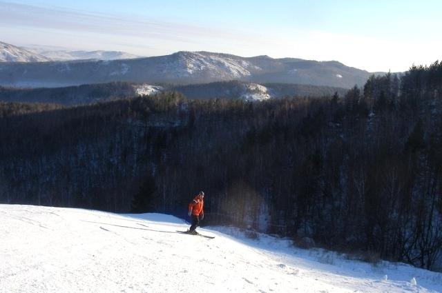 Склоны абзаковского центра рассчитаны как на новичков, так и на опытных горнолыжников