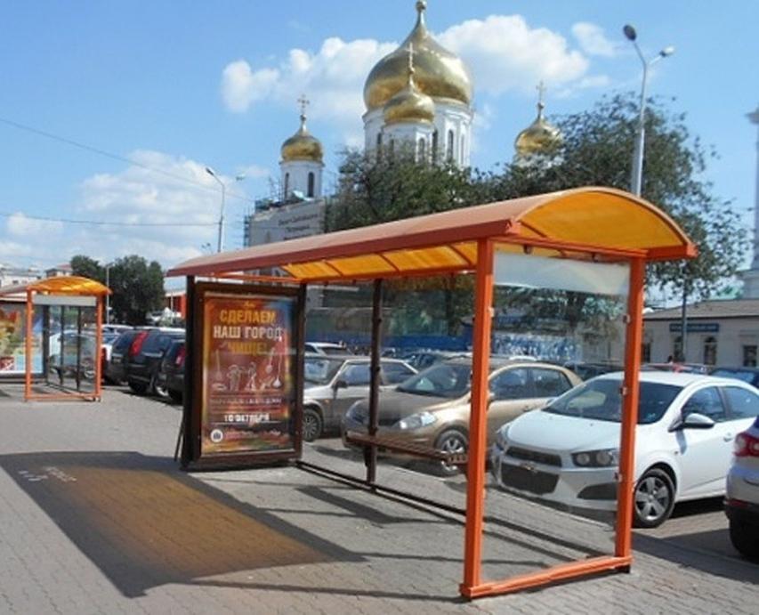 В Ростове было смонтировано 450 остановочных комплексой из оранжевого алюминия и калёного стекла.