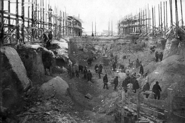 Строительство котлована для первого промышленного ядерного реактора «А1» на территории завода№ 817 («Маяк»), осень 1946 г.