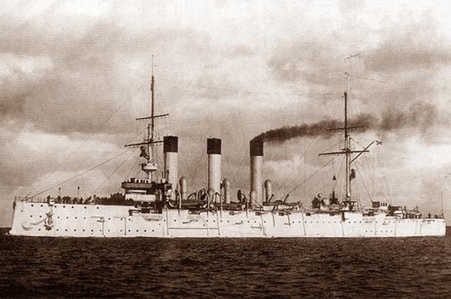 Крейсер «Аврора» на испытаниях 14 июня 1903 года.