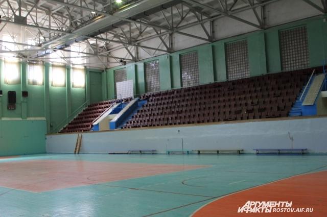 Из этого зала вышел в большой спорт баскетболист Игорь Куделин.