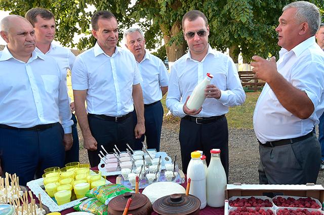 Дмитрий Медведев провёл встречу с партийным активом на Кубани.