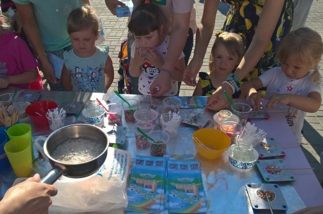 Для детей на праздника была масса развлечений.