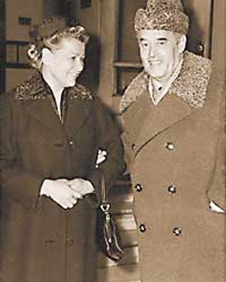 Фурцева со вторым мужем Николаем Фирюбиным.