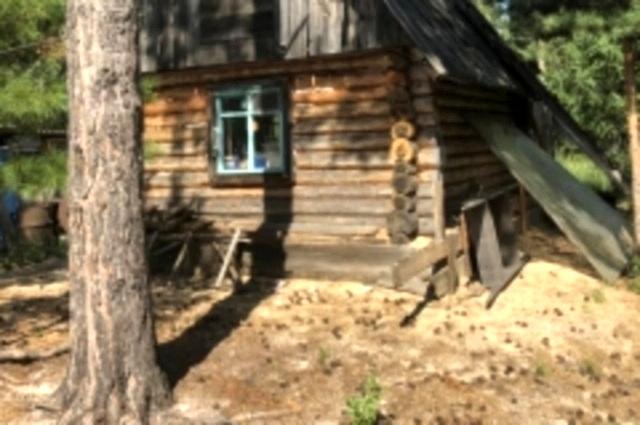 Охотничий домик возле озера Кривое, Уватский район.