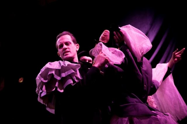 Антон Булавков исполняет роль Петра Верховенского.