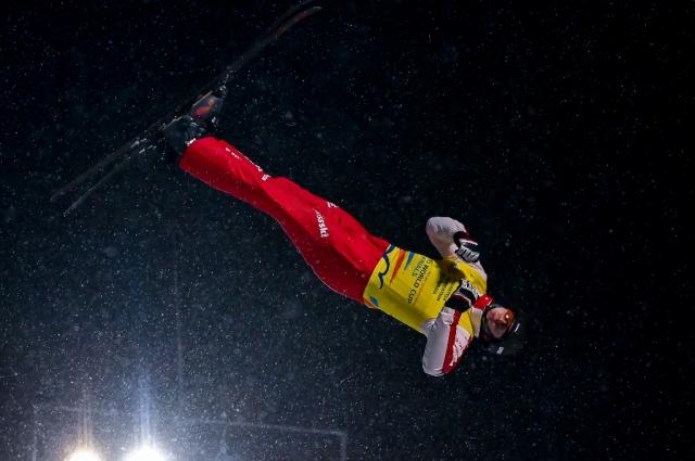 Ноэ Рот (Швейцария) считает, что приземлился неудачно, но первое место заоевал.