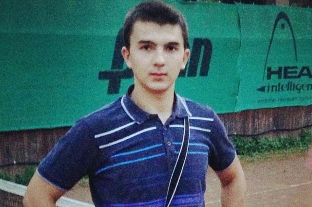 Леонид Сафьянников был единственным ребёнком в семье