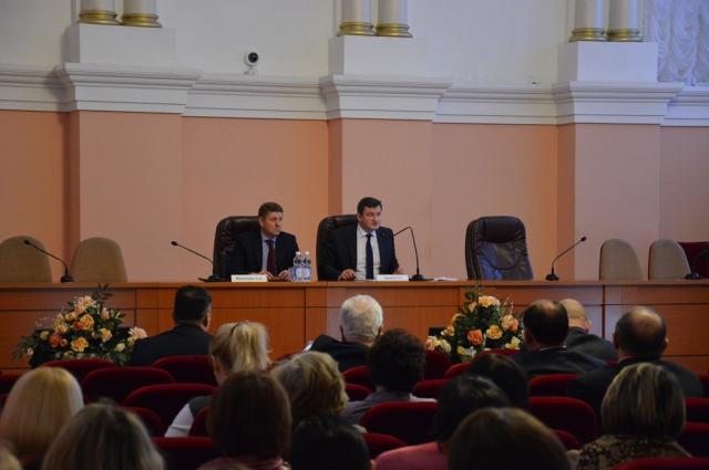 В Оренбурге прошли публичные слушания по проекту бюджета на 2016 год