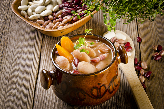 Фасолевый суп надолго создаст чувство сытости.