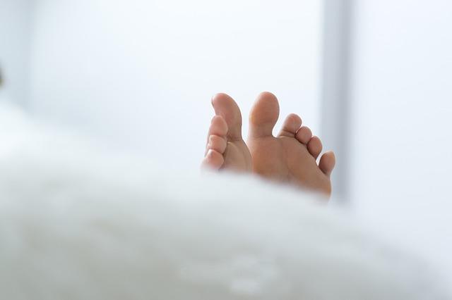 ноги, следы, постель, сон