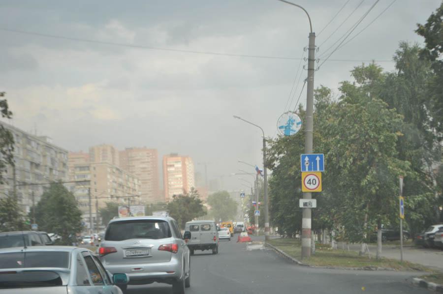 Высотки на Кирова в пылевых облаках - прямое следствие закрытия восьмёрки для грузовиков.