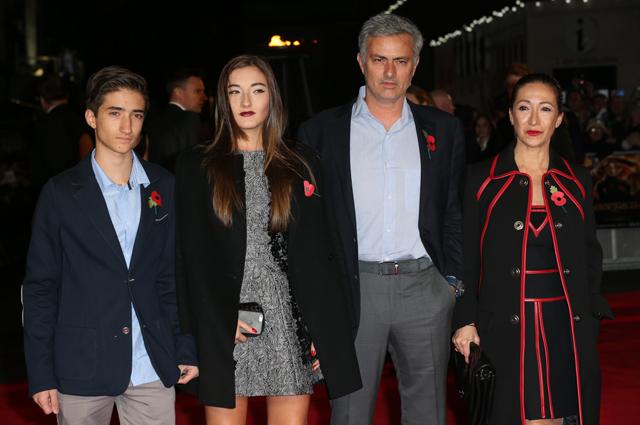 Жозе Моуринью с семьёй.