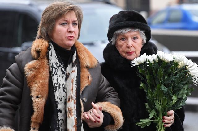Вера Васильева с крестной дочерью Дарьей Милославской.