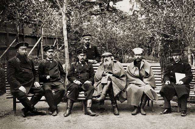 Д. И. Менделеев и П. А. Замятченский на Кушвинском металлургическом заводе. 1899 г.