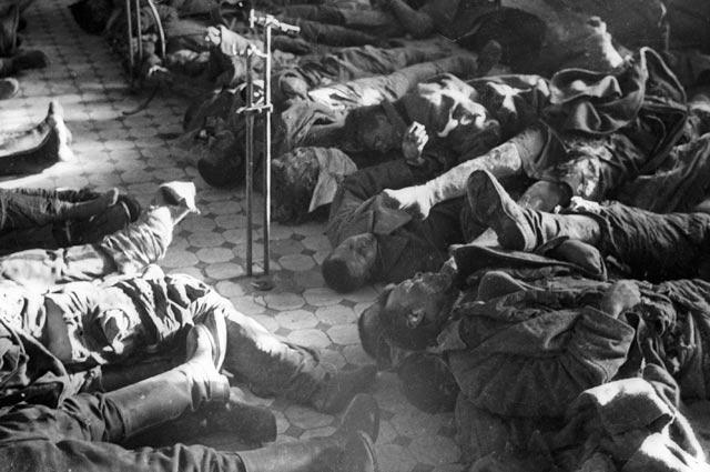 Раненые советские военнопленные, расстрелянные фашистами в Ростове-на-Дону.