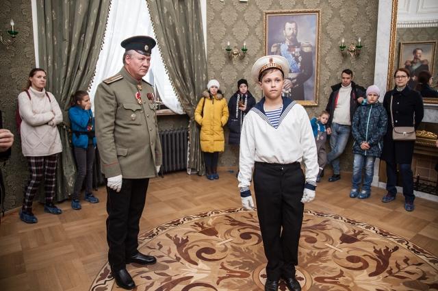 Во время экскурсии использовались исторические костюмы.