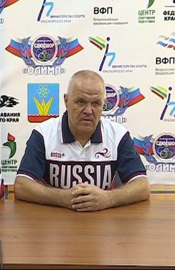 Тренер Опенышевой Виктор Авдеев
