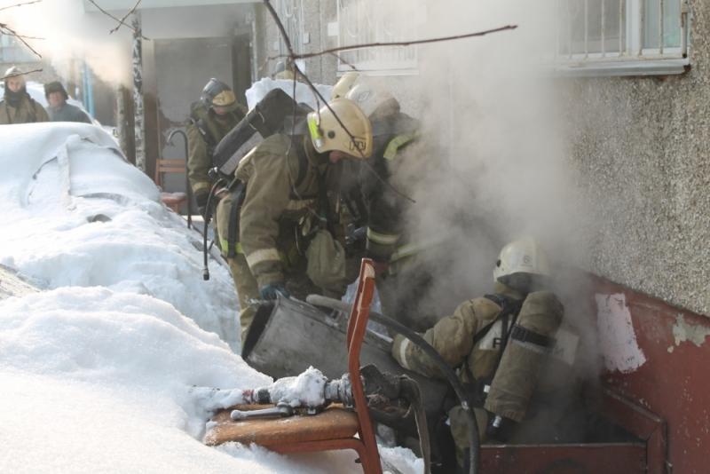 Пожар в многоэтажке Барнаула