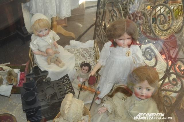 Первую куклу музея Наталья Сафонова купила в 2012 году.