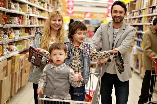 В преддверии Нового года закупаются продуктами сразу на несколько дней вперед.
