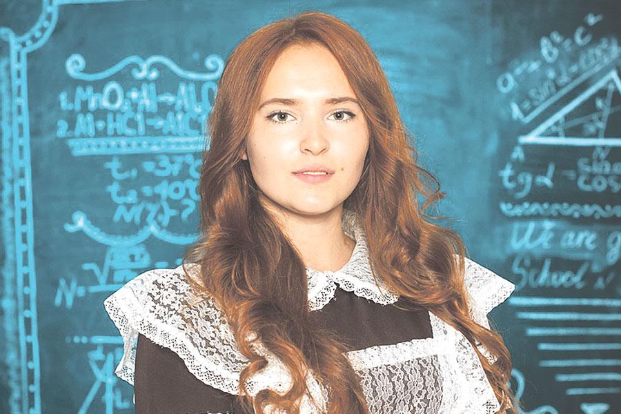 Выпускница Никифоровской школы №1 Альбина Нагина: «Сдавать ЕГЭ не так страшно, как многие представляют».