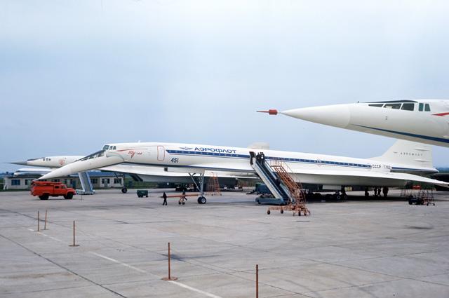 Серийные самолеты «Ту-144» «Аэрофлота».