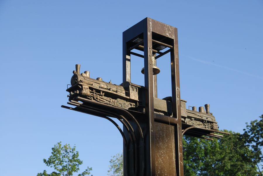Курский памятник