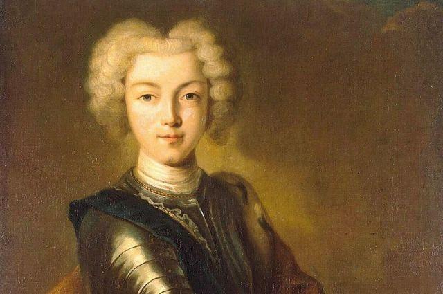 Петр II был совсем ребёнком и ещё не мог толком понимать, какую партию с ним играют взрослые и влиятельные наставники.