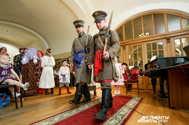 Реконструкция мундиров ополченцев, выполненная в Национальном музее Татарстана