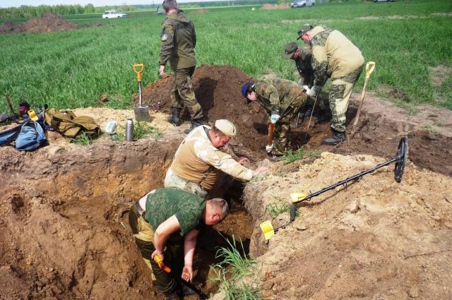 В Комаричском районе работали поисковики из России и Беларуси.