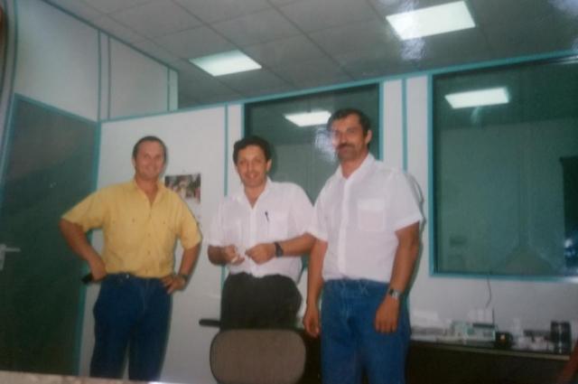 Валерий Спурнов (в центре) так и не выплатил вдовам обещанных денег