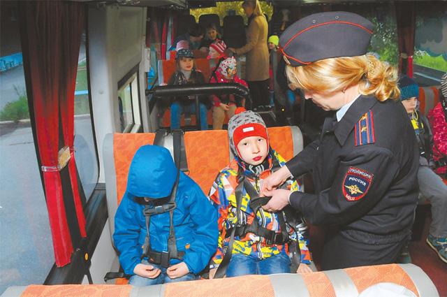 Автобус для детей необходимо выбирать тщательно.