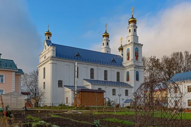 История монастыря берет свое начало еще в 17 веке.