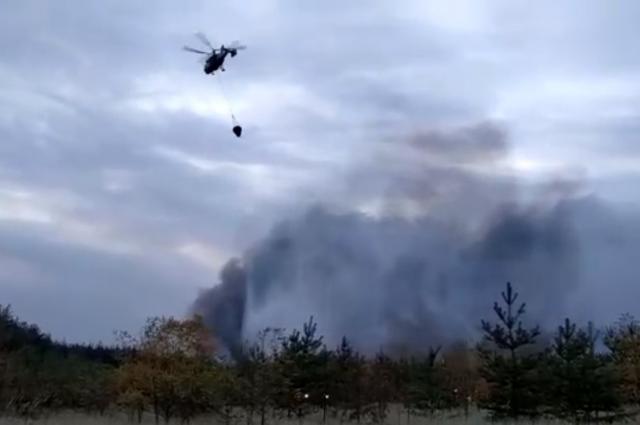 За два дня пожарная авиация совершила сбросы 157 тонн воды.