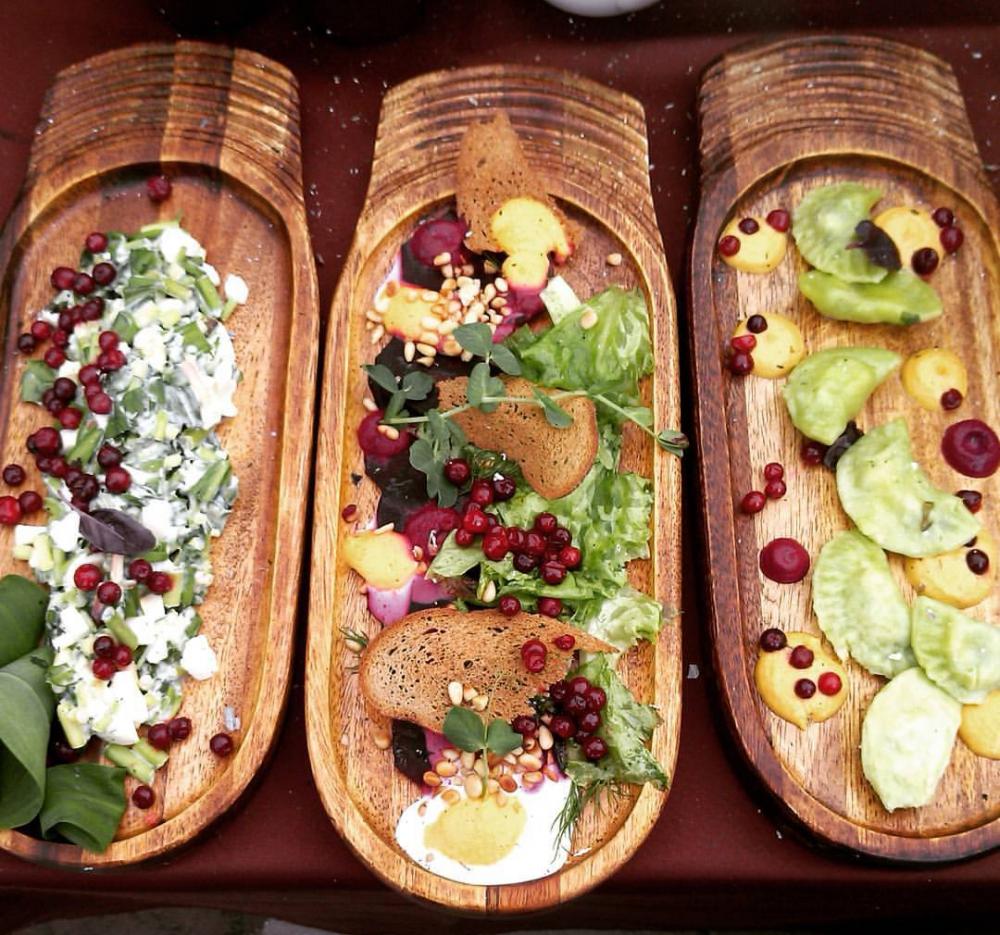 Все блюда были приготовлены из алтайских продуктов.