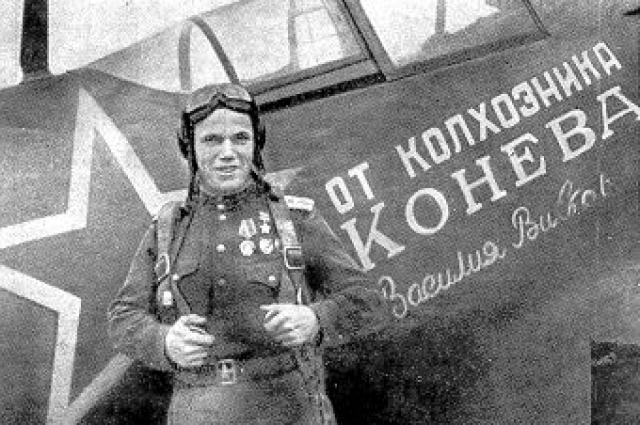 Иван Кожедуб в 1944 году. Он уже сбил 48 немецких самолетов.