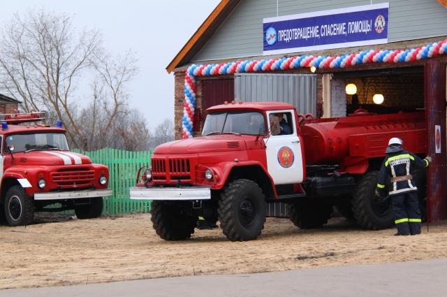 Сейчас на Брянщине сформировано 69 добровольных пожарных команд и 687 дружин общей численностью 12 тысяч человек.