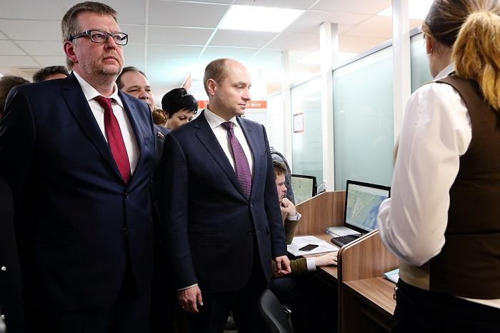 Александр Галушко (в центре).