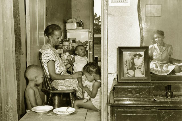 Фото из серии Элла Уотсон и её семья Гордона Паркса. 1942 год