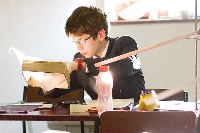 За время учёбы в школе Захар Яковлев завоевал нескольких золотых медалей на международных олимпиадах.