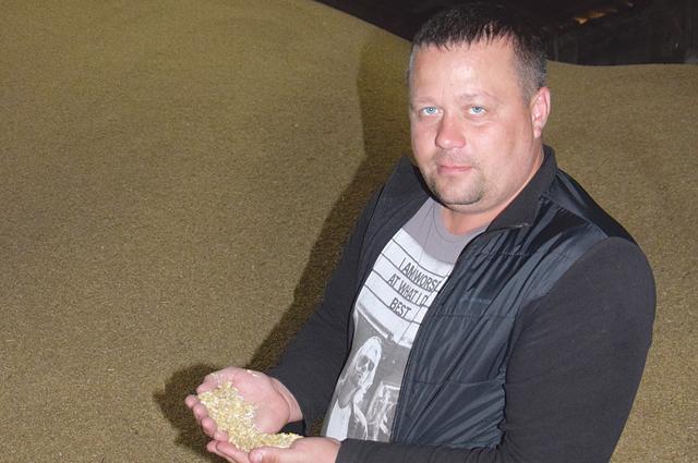 Алексей Шамин добился лучших в районе урожаев зерновых  и подсолнечника.