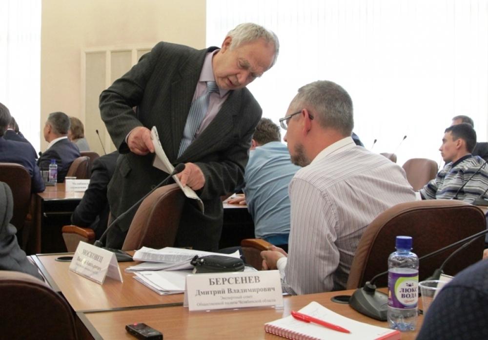Иные особенности Томинского проекта участники круглого стола ухитрялись кулуарно обсуждать даже в ходе заседания.